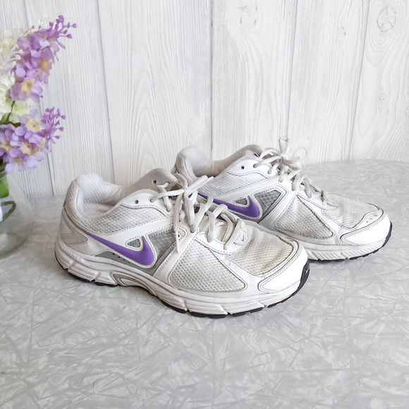 Condizionale lunghezza onore  Nike Shoes | Dart 9 White Purple Athletic Tennies | Poshmark